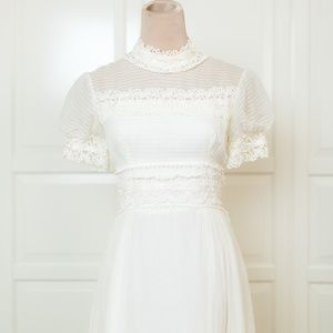 Vintage Short Sleeve High Neck Wedding Dress